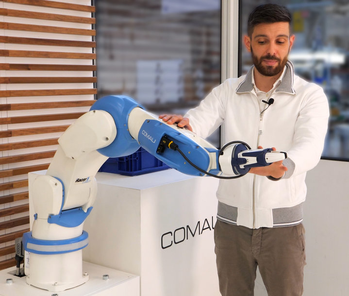 LE NOUVEAU RACER-5 COBOT DE COMAU ALLIE UNE COLLABORATION ROBOTIQUE HAUTE PERFORMANCE À UNE CADENCE INDUSTRIELLE